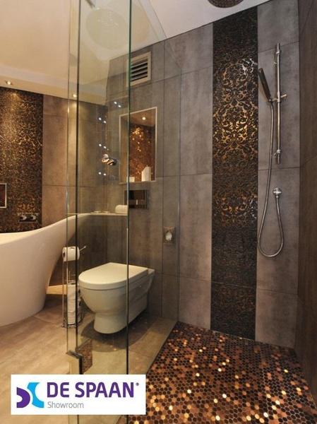 Tegels, sanitair, stucwerk en laminaat. De Spaan Showroom - Vakman ...